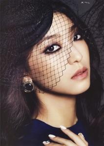 Tiffany SNSD and Bora SISTAR - Harper's Bazaar Magazine January Issue 2014 (5)